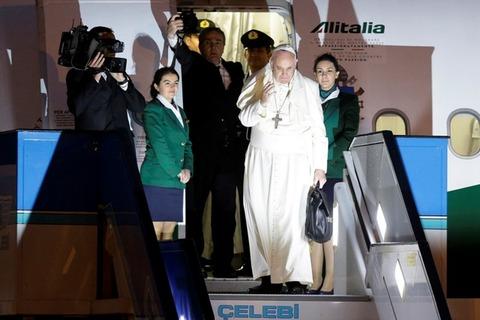 Pope-Turkey-flight