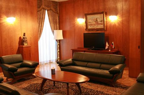 embassy-tour-p07