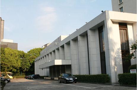 embassy-tour-p01